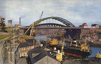 7) The bridges from the south bank of the river on the eastern side. A 1966 postcard. See text.